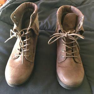 Arizona ankle boots size 7
